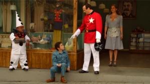 Otobiografi masa kecil Jodorowksy berjalan beriring dengan sejarah Chile.